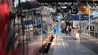 Σάλος στη Σουηδία: Οι επιβάτες έβλεπαν πορνό αντί για δρομολόγια τρένων