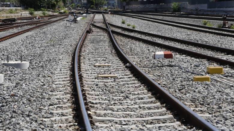 Θεσσαλονίκη: Σορός άνδρα βρέθηκε δίπλα σε σιδηροδρομικές γραμμές