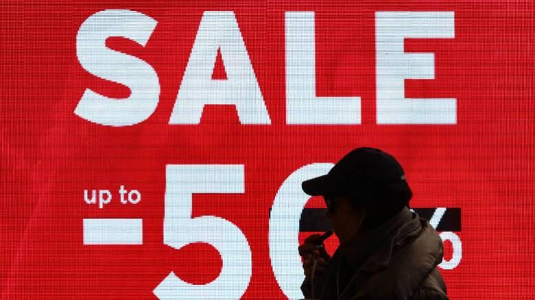 Χειμερινές εκπτώσεις 2020: Ανοικτά σήμερα τα εμπορικά καταστήματα