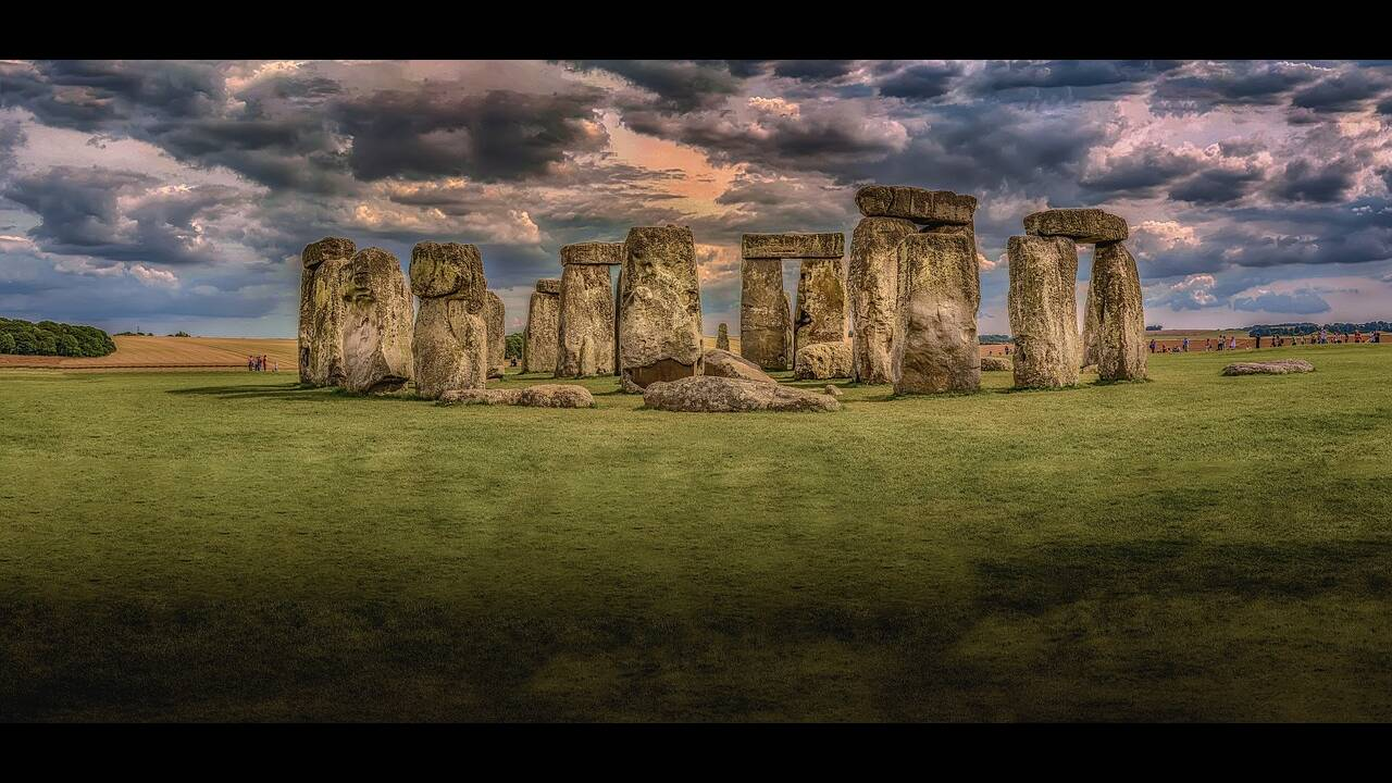 https://cdn.cnngreece.gr/media/news/2020/01/19/204526/photos/snapshot/stonehenge-1590047_1280.jpg