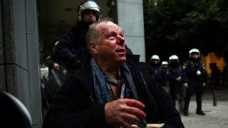 Βίντεο - ντοκουμέντο από την επίθεση κατά του φωτορεπόρτερ στο Σύνταγμα