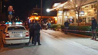 Πυροβολισμοί στη Βάρη: Δύο νεκροί και μία τραυματίας σε γνωστή ταβέρνα