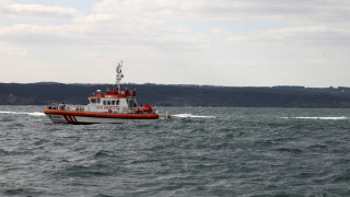 Καρέ - καρέ η στιγμή που σκάφος της τουρκικής ακτοφυλακής εμβολίζει λέμβο με πρόσφυγες