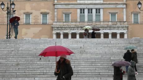 Καιρός: Κρύο, συννεφιά και βροχές σήμερα - Πού θα σημειωθούν χιονοπτώσεις