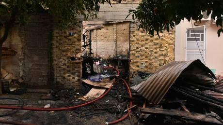 Τραγωδία στη Νίκαια: Νεκρό άτομο εντοπίστηκε κατά την κατάσβεση πυρκαγιάς