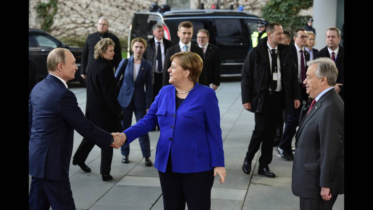 https://cdn.cnngreece.gr/media/news/2020/01/20/204617/photos/snapshot/berlin-summit1.jpg