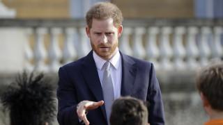 «Δεν είχαμε άλλη επιλογή»: Ο Χάρι σπάει τη σιωπή του μετά τη βασιλική παραίτηση