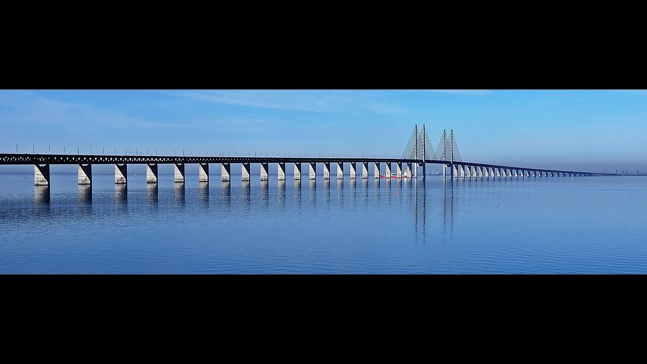 https://cdn.cnngreece.gr/media/news/2020/01/20/204643/photos/snapshot/oresund-bridge.jpg