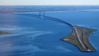 Καλλωπισμός...13 χρόνων για τη γέφυρα που συνδέει Δανία-Σουηδία