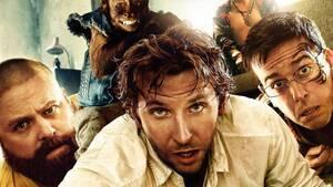 The Hangover Part II (2011). Ένα σοβαρό λάθος στα γυρίσματα της ταινίας, που έγιναν στη Μπανγκόκ, άλλαξε για πάντα τη ζωή ενός κασκαντέρ. Στη σκηνή, ο κασκαντέρ έβγαζε το κεφάλι του από το παράθυρο ενός φορτηγού σε κίνηση και από δίπλα περνούσε ένα άλλο α