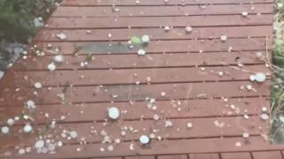 Απίστευτο βίντεο: Χαλάζι σε μέγεθος... μπάλας του γκολφ στην Αυστραλία