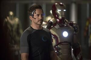 20. Iron Man 3 (2013) Εισπράξεις παγκοσμίως: 1,214,811,252 δολάρια Πρώτο Σαββατοκύριακο: 174,144,585 δολάρια Κόστος παραγωγής: 200 εκατομμύρια δολάρια