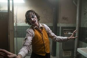 32. Joker (2019) Εισπράξεις παγκοσμίως: 1,069,147,201 δολάρια Πρώτο Σαββατοκύριακο: 96,202,337 δολάρια Κόστος παραγωγής: 55 εκατομμύρια δολάρια