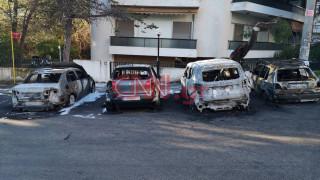 Μπαράζ εμπρησμών ΙΧ: Εικόνες από τα πυρπολημένα αυτοκίνητα στο Μαρούσι