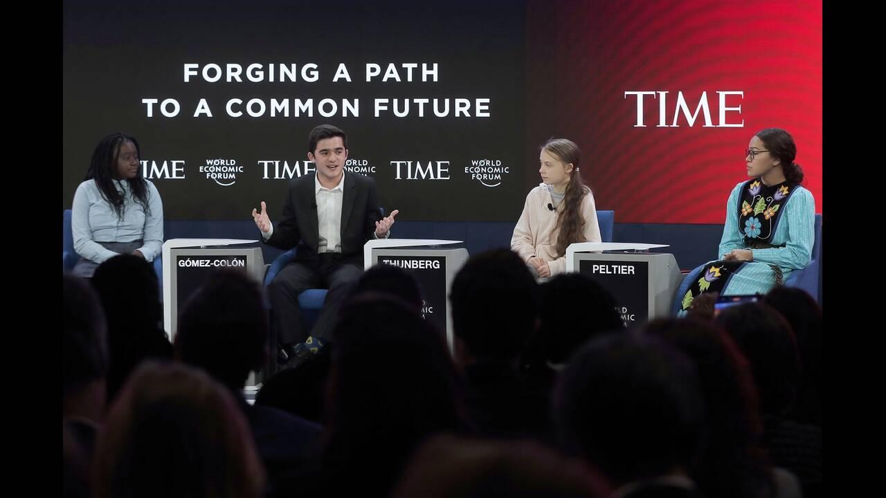 https://cdn.cnngreece.gr/media/news/2020/01/22/204904/photos/snapshot/davos-greta.jpg