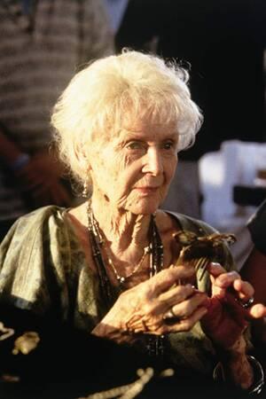 Κέιτ Γουίνσλετ και Γκλόρια Στιούαρτ ήταν υποψήφιες για Α' Γυναικείο και Β' Γυναικείο Ρόλο στον «Τιτανικό» του Τζέιμς Κάμερον το 1997, παίζοντας το ρόλο της Ρόουζ. Έχασαν και οι δύο.
