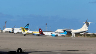 Λιβύη: Επαναλειτουργεί το αεροδρόμιο της Τρίπολης μετά τους βομβαρδισμούς