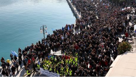 Προσφυγικό: «Παρέλυσαν» τα νησιά του Β. Αιγαίου λόγω κινητοποιήσεων