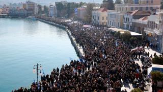 Προσφυγικό: «Παρέλυσαν» τα νησιά του Βορείου Αιγαίου - Στο Μαξίμου ο Περιφερειάρχης