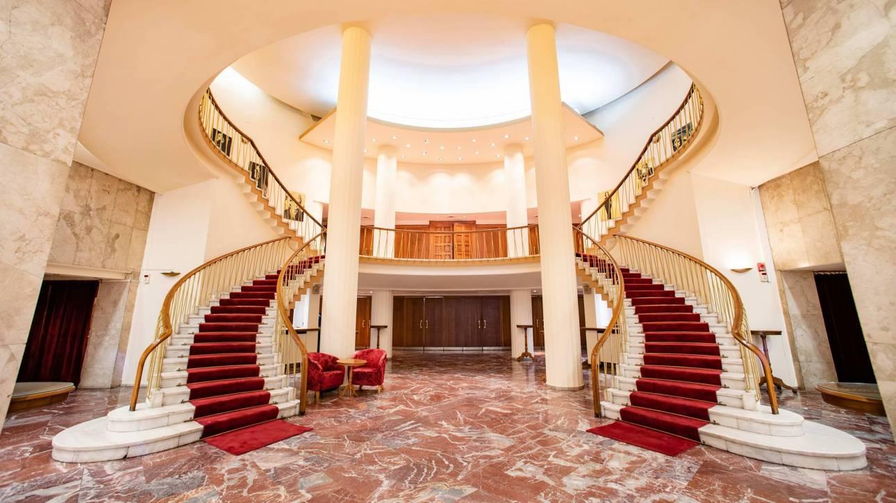 Θέατρο Ολύμπια: Λυρικό θέατρο, Μπέζος, Μακεδόνας και συναυλίες