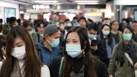 Νέος κοροναϊός: Ποια είναι τα συμπτώματα του ιού - Πώς μεταδίδεται