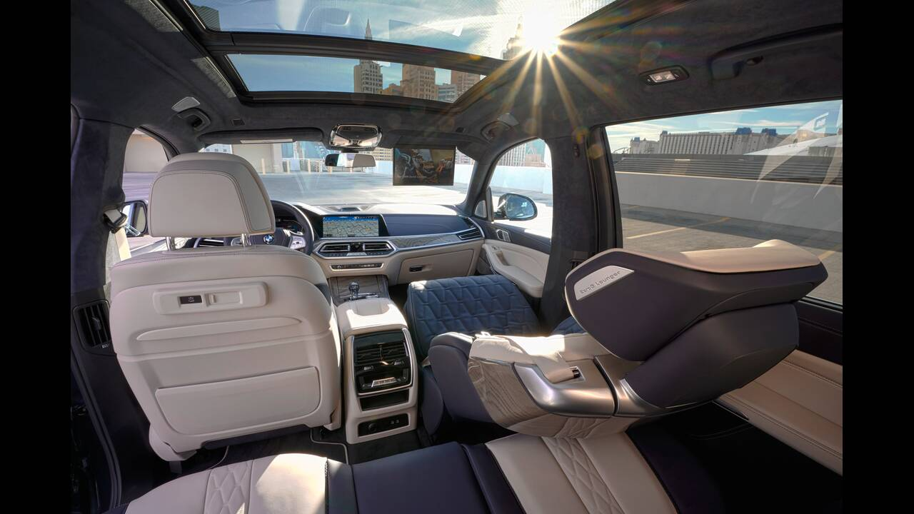 https://cdn.cnngreece.gr/media/news/2020/01/23/205047/photos/snapshot/BMW-X7-ZERO-G-LOUNGER-2.jpg