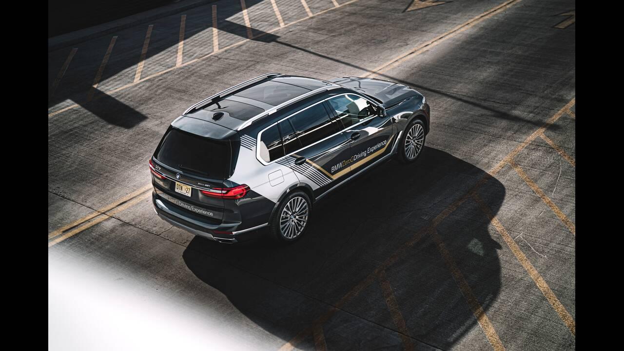 https://cdn.cnngreece.gr/media/news/2020/01/23/205047/photos/snapshot/BMW-X7-ZERO-G-LOUNGER-4.jpg