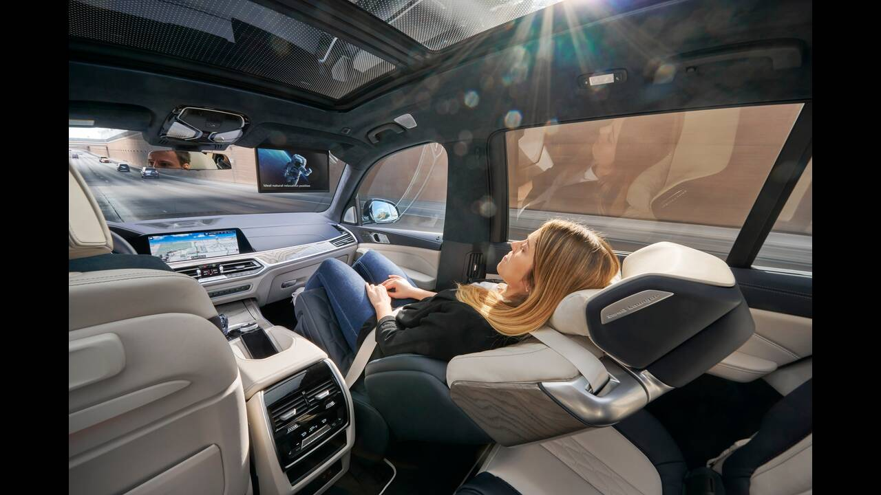 https://cdn.cnngreece.gr/media/news/2020/01/23/205047/photos/snapshot/BMW-X7-ZERO-G-LOUNGER-5.jpg