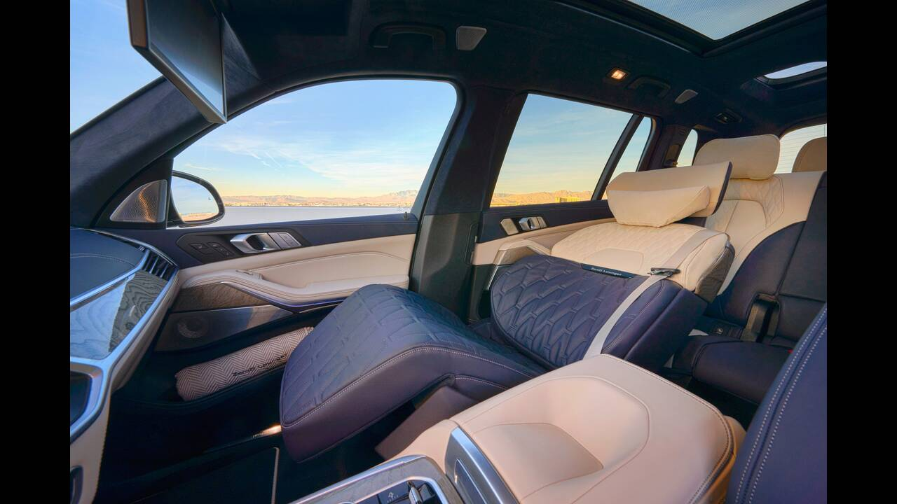 https://cdn.cnngreece.gr/media/news/2020/01/23/205047/photos/snapshot/BMW-X7-ZERO-G-LOUNGER-7.jpg