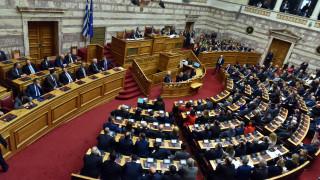 Εκλογικός νόμος: Τι φοβάται η αντιπολίτευση και τι δεν λέει η κυβέρνηση