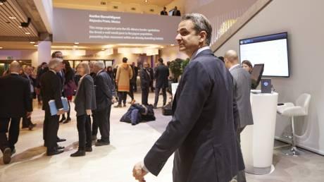 Επαφές Μητσοτάκη στο Νταβός: «Οι μεγάλοι ξένοι επενδυτές βλέπουν την Ελλάδα διαφορετικά»