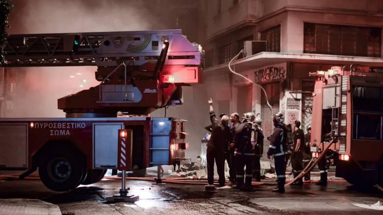 Νέος Κόσμος: Υπό έλεγχο η φωτιά στο διαμέρισμα