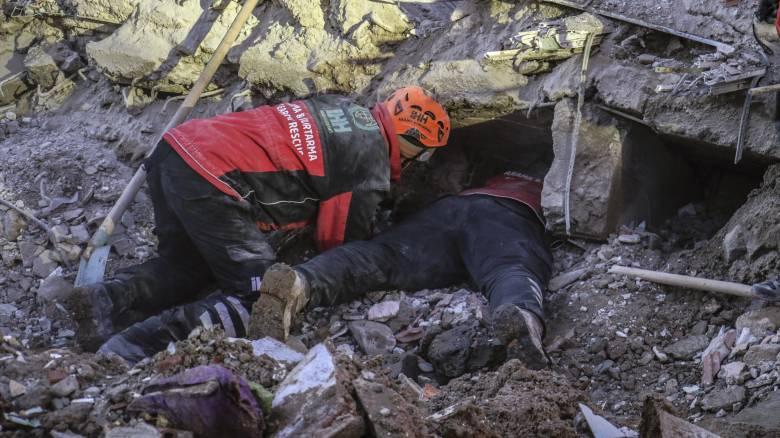 Σεισμός Τουρκία: Μεγάλωνει η λίστα των νεκρών από τη φονική δόνηση