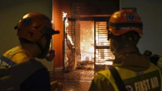 Χονγκ Κονγκ: Επίθεση με μολότοφ σε ζώνη καραντίνας του κοροναϊού