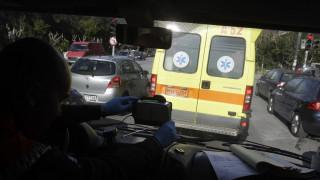 Γυναίκα έπεσε από μπαλκόνι στο Περιστέρι