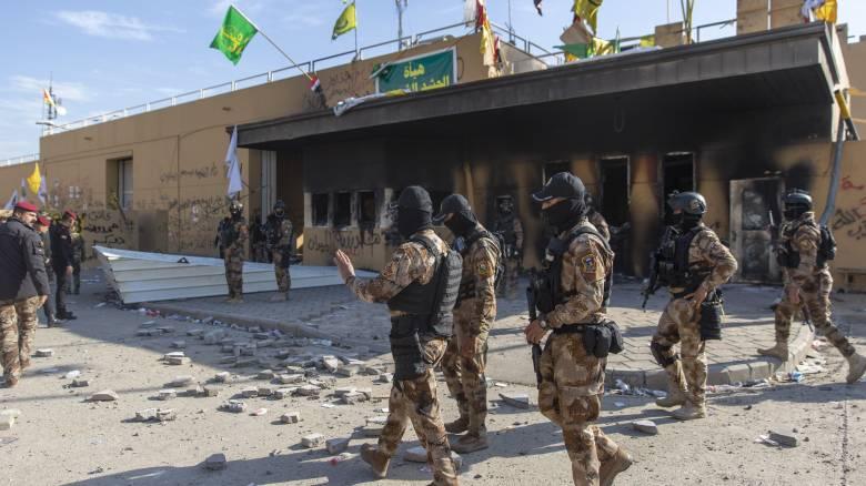Ιράκ: Τρεις ρουκέτες έπεσαν κοντά στην πρεσβεία των ΗΠΑ - Τουλάχιστον ένας τραυματίας