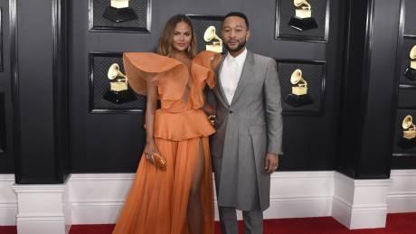 Grammy 2020: Οι πιο εντυπωσιακές εμφανίσεις στο κόκκινο χαλί