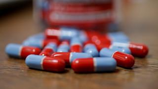 «Κόντρα» ΕΟΦ - φαρμακοποιών για τις ελλείψεις φαρμάκων - Σύσκεψη στο υπουργείο Υγείας