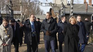 Μητσοτάκης στο Άουσβιτς: Ποτέ η ανθρωπότητα να μην ξαναζήσει μια τέτοια ανείπωτη τραγωδία