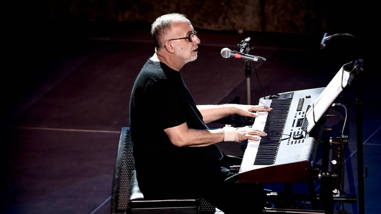 Θάνος Μικρούτσικος: «Όσα ονειρευτήκαμε» - Κυκλοφόρησε το τραγούδι που έγραψε πριν το θάνατό του