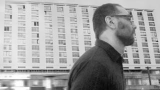 Ο Κωνσταντίνος Βήτα «συνομιλεί» στη Λυρική Σκηνή με την ποίηση του Γιάννη Ρίτσου