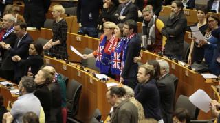 Brexit: Το Ευρωπαϊκό Κοινοβούλιο επικύρωσε τη συμφωνία διαζυγίου