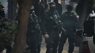 Συνελήφθησαν από την Αντιτρομοκρατική ο δραπέτης «τοξοβόλος του Συντάγματος» και δύο γυναίκες