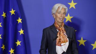 ΕΚΤ: Καλεί τις τράπεζες να εφαρμόσουν τα σχέδια τους για το Brexit