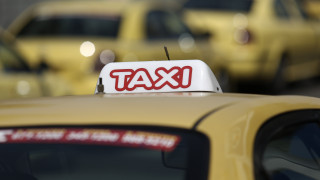 «Αυτοτραυματίστηκε» λέει ο ηθοποιός στη δίκη για βιασμό του οδηγού ταξί