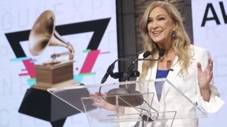 «Στημένα και σεξιστικά» τα Grammy, καταγγέλλει η απολυμένη πρόεδρος