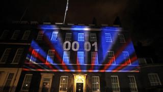 Η Βρετανία εκτός ΕΕ: Σαμπάνιες, ελπίδες και «God save the Queen»