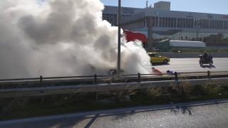 Στις φλόγες ΙΧ στην Εθνική Οδό Αθηνών - Λαμίας
