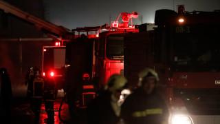 Φωτιά σε διυλιστήρια στην Κόρινθο: Τέσσερις σοβαρά τραυματίες