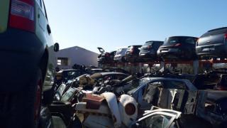 Εξαρθρώθηκαν δύο σπείρες που είχαν ρημάξει οχήματα, καταστήματα και σπίτια στην Αθήνα